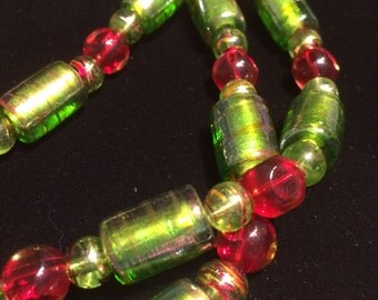"""Lovely Light Green and Red 18"""" Choker/Necklace"""