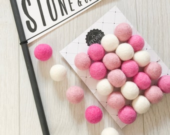 Stone and Co Felt Ball Pom Pom Garlands 20 x 2.5cm Balls in Hot Pink, Dusty Pink and White. For Nursery, girls Bedrooms, Pretty Pinks