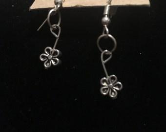 Tiny Daisy Flower Earrings