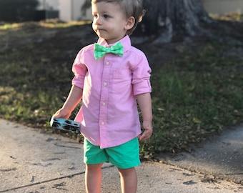 Green bow tie or headband