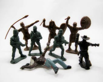 Collection of 8 Toy Soldiers, military figures plays, vintage, antiques of the USSR