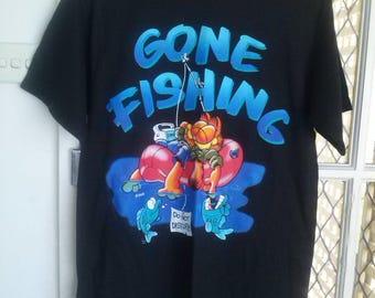 """Garfield """"Gone Fishing"""" t shirt size S"""