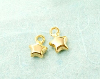 2 x star 9mm gold plated pendant #3434