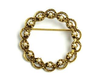 Vintage 1950s Imitation Pearl and Gold Tone Metal Costume Circle Pin Virgin Pin Brooch