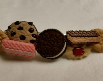 Yummy Cookie Dessert Barrette - Looks Good Enough to Eat