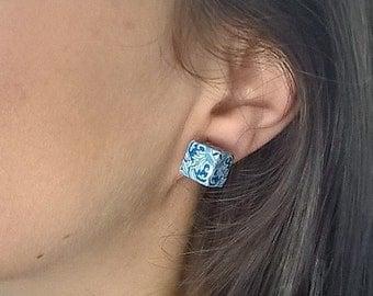 Portuguese majolica tiles replica cube stud earrings, cube earrings, geometric cube stud earrings, azulejos, Portugal, Portuguese tiles