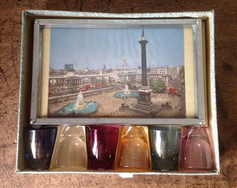 Zimco Vintage kitsch London scene drinks tray and glasses. Made in England 50's, 60's.