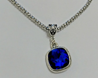 Chain necklace, blue pendant, blue necklace