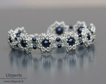 Wedding or ceremony Midnight blue and silver Swarovski Elements Rocailles Miyuki Pearl bracelet silver plated clasp flower