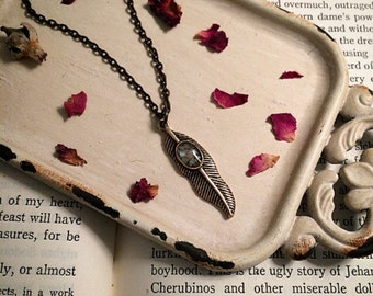 Feather necklace // minimalist necklace // simple necklace  // gothic necklace // vintage necklace // antique necklace