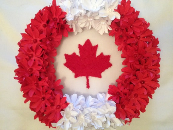 Canada Day Wreath by annacraftbasket