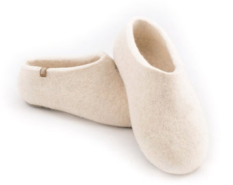 White Felted Slippers for Women, Organic Wool, Honeymoon Slippers, Natural white mountain and merino wool Slippers, Eco cool felt clogs.