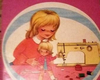 """Rare / book children vintage """"Sylvie dress her doll"""" Hachette 1976"""