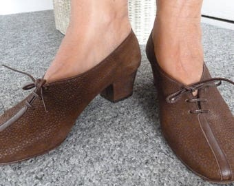 Vintage 1930s + Style Brown Italian Leather Lace Up Shoes by Maserati, Size 5