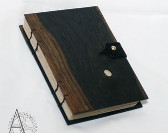 Wooden cover journal. Book with oak wood cover. Recycled paper sketchbook. Handcrafted notebook. Unusual gift.