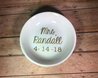 Mrs. Ring Dish, Personalized Ring Dish, Gold Ring Dish, Custom Jewelry Dish, Gifts for Her, Future Mrs. Ring Dish