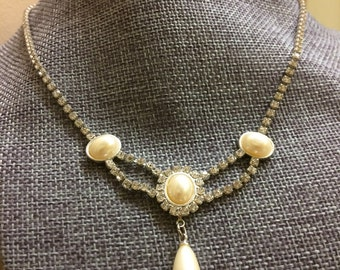 Beautiful Rhinestone and Faux Pearl Necklace
