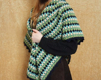 Maxi shawl crochet granny