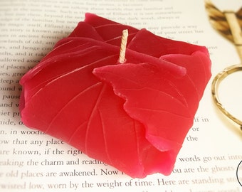 Elven Leaf Candle - Decorative Candle, Unique Handmade Gift, Autumn Candle, Red Candle, Fantasy Leaf Decor, Handmade Candle,