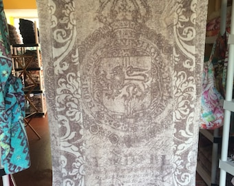 Fresco Towels - Lion Shield Bark - Beach Towel