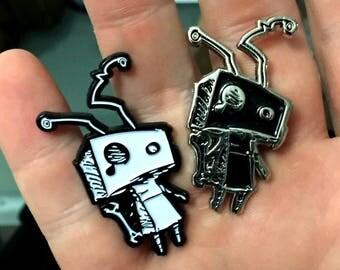 Lil Robo Enamel Pin   SoloRoboto Industries Robot Logo   White and Black