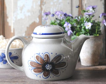 Stavangerflint modern pottery. Nils Siversten Florry Tea pot. Norwegian MCM. Scandinavian modern. Made in Norway