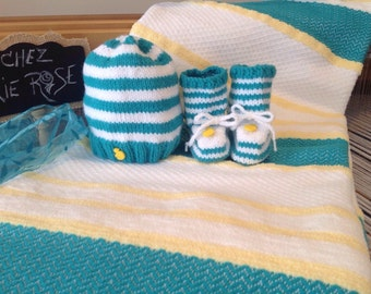 All soft blanket, hat and slippers for baby