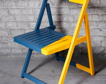 Vintage chair in wood customized blue and yellow - handmade paint - moderne vintage