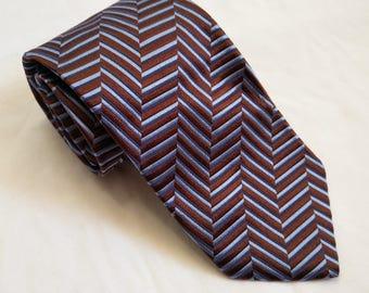 A stunning vintage Hugo Boss Necktie in 100 % silk