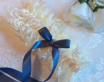 Bridal Garter, Lace Bridal Garter, Ivory Wedding Garter, Ivory Lace Garter, Boho Vintage Garter, Elegant Garter, Bridal Garter, Blue Garter