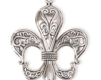 Large Fleur de Lis Pendant - Imitation Silver (STEAM108)