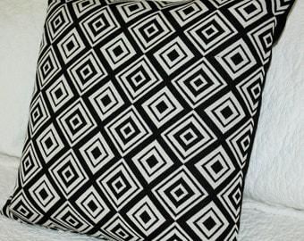 Black & Off White Geometric Cushion Cover - 45 x 45 cm