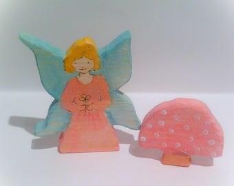 Flower fairy & toadstool. Wooden plsy set.