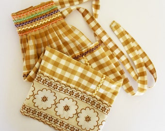 Retro Half Apron - Brown Gingham Matrial with Ric Rac and lace trim - Two pockets - 60's - 70's  Era