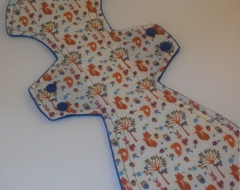 "WhoosInUrPanties 13.5"" Titan Shape Light Foxy Print Cotton Topped Cloth Pad"