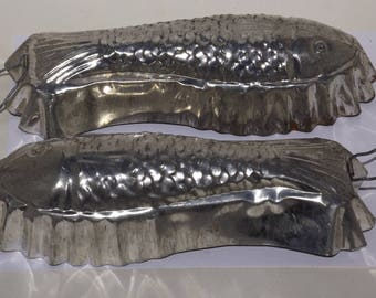 "Aluminum fish molds,set of 2,handles,10"" metal fish,wall decor,kitchen decor,man cave decor,jello mold,cake mold,vintage mold,fish decor,"