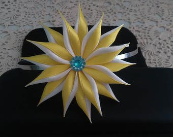 Barrette yellow flower and white/kanzashi/Fleur kanzashi/Ribbon satin hair clip