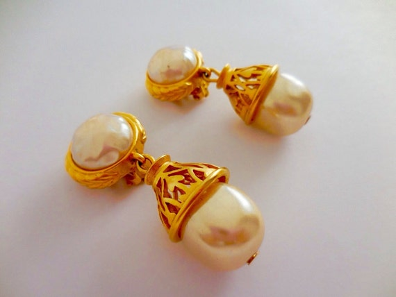 Authentic Karl Lagerfeld baroque earrings clip, gold plated pearl dangle earrings clip, excellent condition