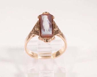 14K Yellow Gold Victorian Cameo Ring size 5.25
