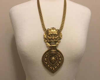 INCREDIBLE 80s gold large door knocker pendant necklace. *FREE SHIPPING*