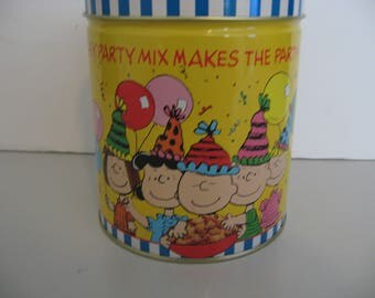 Vintage 1990 - Chex Party Mix Peanuts 40 Years of Traditions Charlie Brown Tin