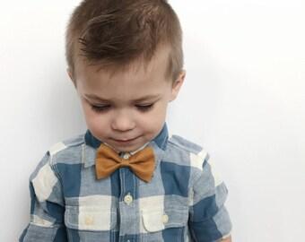 Boys clip on bow tie || alligator clip