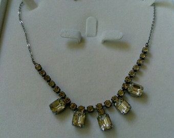 Retro Crystal Rhinestone Necklace from the Glamorous 50s. Hollywood movie stars.