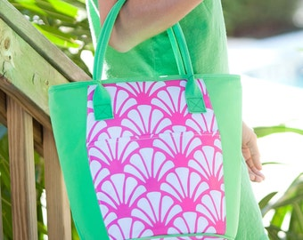 Monogrammed Pink Shell Cooler tote / Personalized insulated tote / Personalized Bag