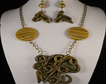 Gorgeous Necklace Green & Brown Web Pendant Statment Jewelry Gold  Feather Earring Engagment Gifts FLowers Leaves Bracelet Mothers Day Gifts