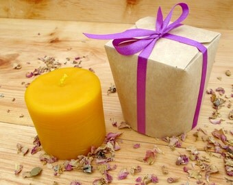 100% Pure & Natural Beeswax Candle // Tenderness Midi