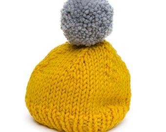 Pom Pom beanie - Yellow & gray