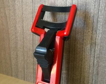 Vintage plastic eyelash curler/Black and red eyelash curler