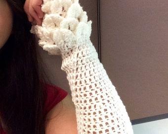 White Crocodile Stitch Wrist Warmers