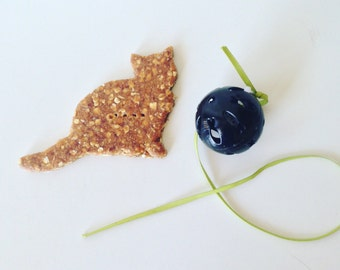 The Cat's Meow - All Natural Organic Gourmet Dog Treats - Available Whole Grain and Grain Free